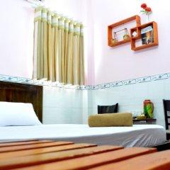 Отель Ba Dat Homestay Q6 сейф в номере