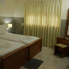 Отель French Garden Tourist Rest Анурадхапура удобства в номере