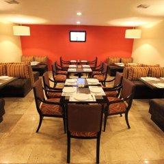 Отель Best Western Royal Zona Rosa Мексика, Мехико - отзывы, цены и фото номеров - забронировать отель Best Western Royal Zona Rosa онлайн питание фото 2
