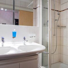 Отель Chesa Sur Ova 30 - Two Bedroom Швейцария, Санкт-Мориц - отзывы, цены и фото номеров - забронировать отель Chesa Sur Ova 30 - Two Bedroom онлайн ванная
