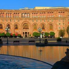 Отель Marriott Armenia Hotel Yerevan Армения, Ереван - 12 отзывов об отеле, цены и фото номеров - забронировать отель Marriott Armenia Hotel Yerevan онлайн приотельная территория