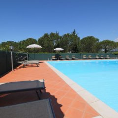 Отель Elegant Farmhouse in Campriano With Swimming Pool Ареццо бассейн фото 2