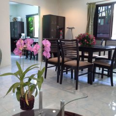 Отель Baan Kanittha - 4 Bedrooms Private Pool Villa питание