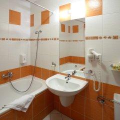 Отель Palace Чехия, Пльзень - отзывы, цены и фото номеров - забронировать отель Palace онлайн ванная фото 2