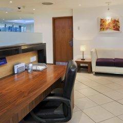 Отель Holiday Inn Express London-Swiss Cottage Великобритания, Лондон - отзывы, цены и фото номеров - забронировать отель Holiday Inn Express London-Swiss Cottage онлайн интерьер отеля фото 2