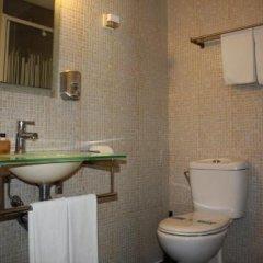 Отель Hostal Los Geranios Del Pinar Торремолинос ванная