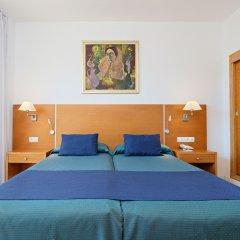 Отель azuLine Hotel S'Anfora & Fleming Испания, Сан-Антони-де-Портмань - отзывы, цены и фото номеров - забронировать отель azuLine Hotel S'Anfora & Fleming онлайн комната для гостей фото 4