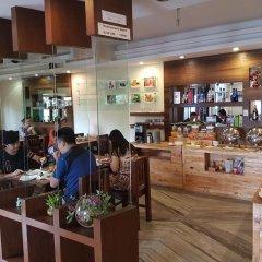 Отель Middle Path Непал, Покхара - отзывы, цены и фото номеров - забронировать отель Middle Path онлайн гостиничный бар