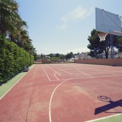 Azuline Hotel Bergantin спортивное сооружение