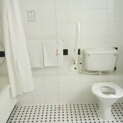 Отель Holiday Inn London Kings Cross / Bloomsbury ванная