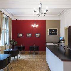 Отель Royal Road Residence Прага интерьер отеля фото 2