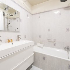 Отель Trendy South Pigalle Париж ванная