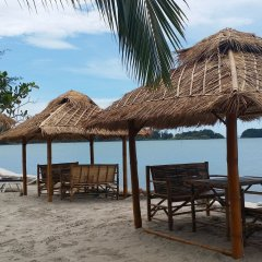 Отель Saladan Beach Resort пляж