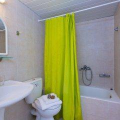 Отель Corali Beach ванная фото 2