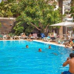 Отель RH Royal - Adults Only Испания, Бенидорм - отзывы, цены и фото номеров - забронировать отель RH Royal - Adults Only онлайн бассейн фото 2