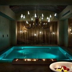 Отель Château Monfort бассейн