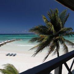 Отель Mangos Boutique Beach Resort пляж