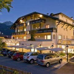 Отель Grandpanoramahotel Stephanshof Tirol Тироло парковка