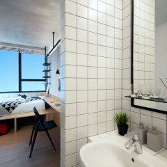 Отель lyf Funan Singapore by Ascott Сингапур ванная фото 2