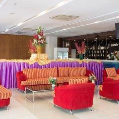 Отель Metro Resort Pratunam Бангкок гостиничный бар