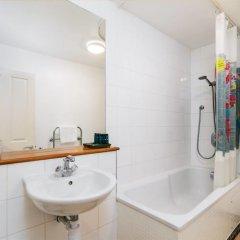 Отель Good Size 2 Bedroom in a Perfect Location Великобритания, Лондон - отзывы, цены и фото номеров - забронировать отель Good Size 2 Bedroom in a Perfect Location онлайн ванная фото 3