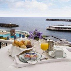 Отель Grand Hotel Açores Atlântico Португалия, Понта-Делгада - 1 отзыв об отеле, цены и фото номеров - забронировать отель Grand Hotel Açores Atlântico онлайн питание