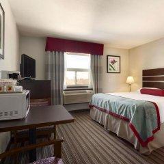 Отель Super 8 Saskatoon West комната для гостей фото 4