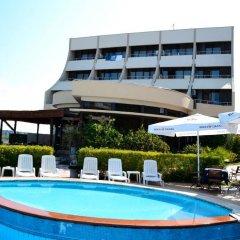 Akropoli Hotel бассейн