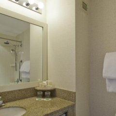 Отель Courtyard New York JFK Airport США, Нью-Йорк - отзывы, цены и фото номеров - забронировать отель Courtyard New York JFK Airport онлайн ванная фото 2