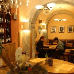 Hotel King George Прага гостиничный бар