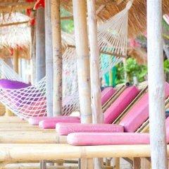 Отель Sayang Beach Resort бассейн