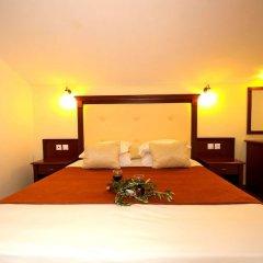 Отель Village Mare сейф в номере