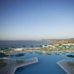 Отель Mitsis Family Village Beach Hotel Греция, Калимнос - отзывы, цены и фото номеров - забронировать отель Mitsis Family Village Beach Hotel онлайн бассейн