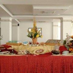 Отель St Gregory Park питание фото 2