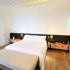 Отель Celes Beachfront Resort Самуи сейф в номере