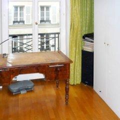 Апартаменты Apartment With 3 Bedrooms in Paris, With Wonderful City View and Wifi Париж удобства в номере