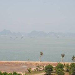 Отель Atlantic Tuan Chau Hotel Вьетнам, Халонг - отзывы, цены и фото номеров - забронировать отель Atlantic Tuan Chau Hotel онлайн пляж фото 2