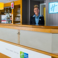 Отель Holiday Inn Express London Luton Airport интерьер отеля