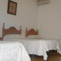 Отель Hostal El Canario Испания, Кониль-де-ла-Фронтера - отзывы, цены и фото номеров - забронировать отель Hostal El Canario онлайн сейф в номере