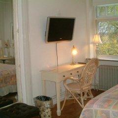 Отель Casa Corner Bed & Breakfast Дания, Алборг - отзывы, цены и фото номеров - забронировать отель Casa Corner Bed & Breakfast онлайн удобства в номере фото 2