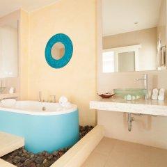 Отель Amala Grand Bleu Resort ванная фото 2