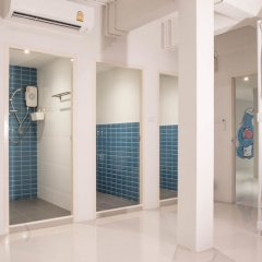Отель Bed N Bev Pattaya - Hostel Таиланд, Паттайя - отзывы, цены и фото номеров - забронировать отель Bed N Bev Pattaya - Hostel онлайн ванная фото 2