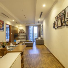 Апартаменты Bayhomes Times City Serviced Apartment интерьер отеля фото 3