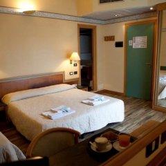 Hotel Marina Bay сейф в номере