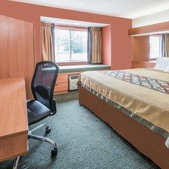 Отель Super 8 Columbus West комната для гостей