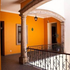 Отель Morales Historical & Colonial Downtown core Мексика, Гвадалахара - отзывы, цены и фото номеров - забронировать отель Morales Historical & Colonial Downtown core онлайн балкон