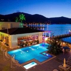 Poseidon Boutique Hotel & Yacht Club бассейн