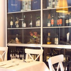 Отель Eco-Hotel La Residenza Италия, Милан - 7 отзывов об отеле, цены и фото номеров - забронировать отель Eco-Hotel La Residenza онлайн гостиничный бар