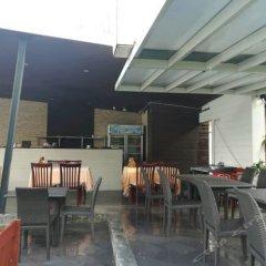 Отель Promtsuk Buri гостиничный бар