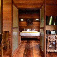 Отель Ananta Thai Pool Villas Resort Phuket сейф в номере